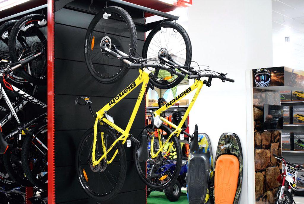 Bicicletas no Shopping China