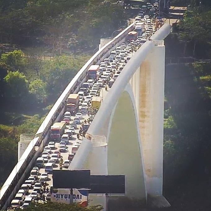 Sábado (2) teve grande movimentação na Ponte da Amizade