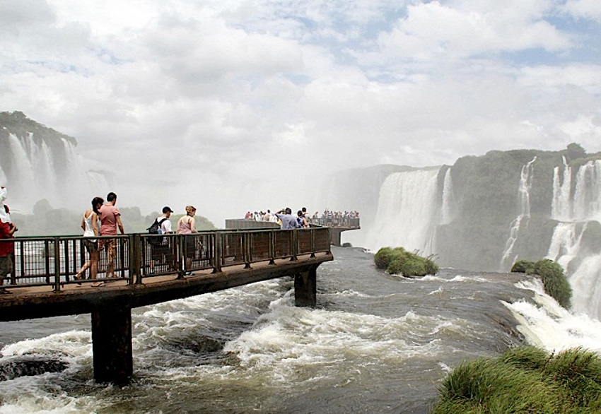 cataratas-recebeu-mais-de-32-mil-turistas-no-feriado-de-pascoa-5ac1ada62930c
