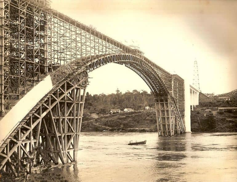 Obras-Ponte-da-Amizade-min